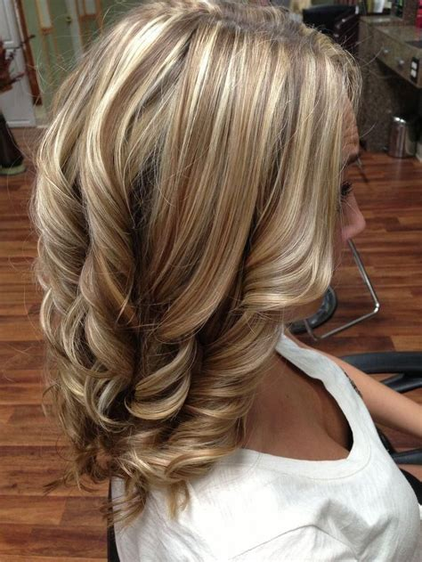 blonde highlights with caramel lowlights highlights and lowlights for medium hair