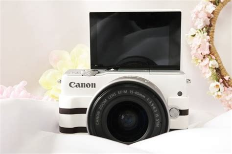 Canon Eos M10 Kit Ef M15 45mm White Kamera Mirrorless Diskon canon eos m10 white ef m15 45 is stm kit wifi 18mp cmos