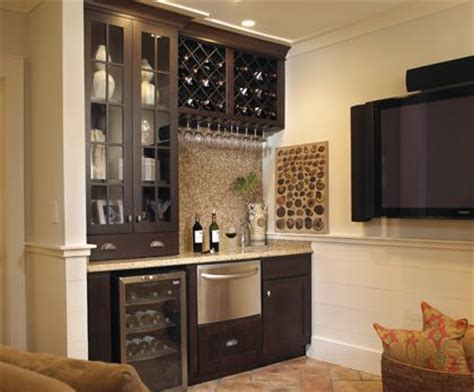Basement Bar Cabinet Ideas Cabinet Extends To Countertop Like The Drawers At The Bottom Not Sure About Glass Would