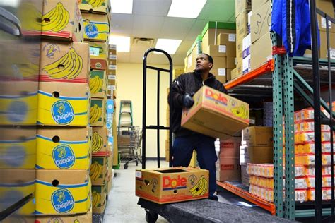 food shelves strive to provide healthier groceries