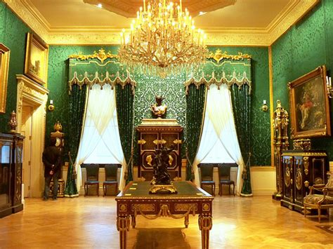 Drawing Room Definition by Drawing Room Definition Meaning