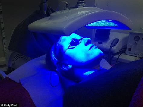 blue led light therapy led treatment skin penetrating wavelengths of light