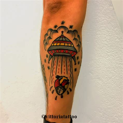 flying saucer tattoo news vittoriatattoo studio di tatuaggi como como