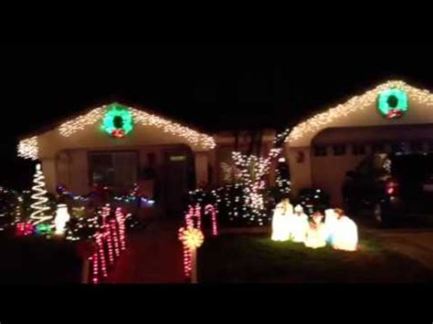 christmas lights at bainbridge circle murrieta california