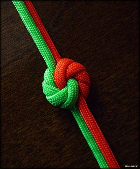 How To Make Cool Knots - 25 best ideas about paracord knots on