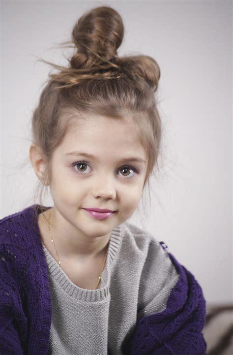 Littles Models Child S | pretty little girl with a bun fashionista kids