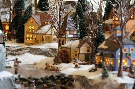monday morning round up miniature christmas town edition