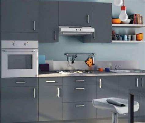 cuisine grise quelle couleur au mur comment dynamiser une cuisine enti 232 rement grise