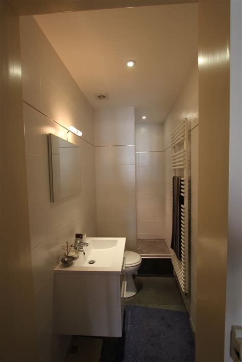 Design Decoration Of Home by Am 233 Nager Salle De Bain En Longueur Salle De Bain Id 233 Es