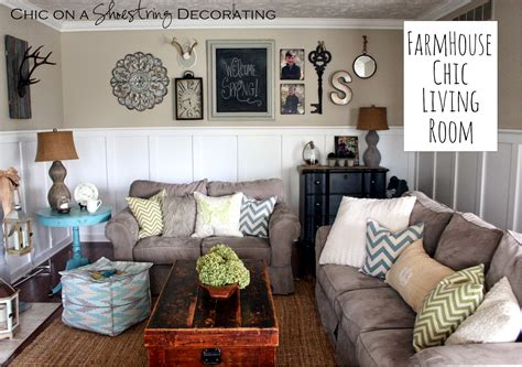 how to decorate a very small living room