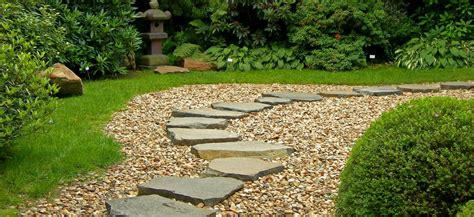 a to z landscaping outdoor living spaces on a budget huskie z landscaping