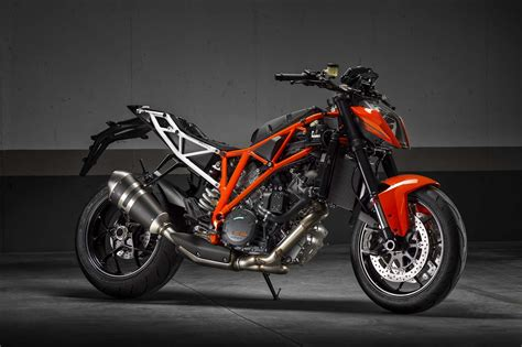 Ktm 1290 Duke R Review Ride Review Ktm 1290 Duke R Asphalt Rubber
