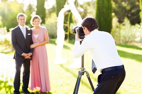 Wedding Photography Services by Choose Right Wedding Photographer Without Common Mistakes