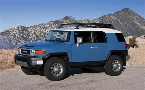 toyota fj toyota fj cruiser 2012 widescreen car photo 11 of