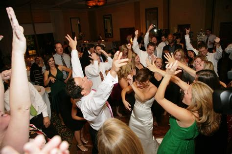 Wedding Planning: How to Choose Music for a Mixed Crowd