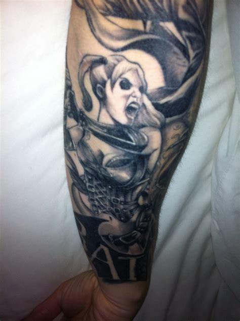 batman harley quinn tattoo 98 migliori immagini batman tattoo ideas su pinterest
