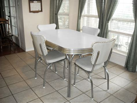 Kitchen Table And Chairs Vintage Retro 1950 S White Kitchen Or Dining Room Table With 4 Chairs And Leaf Dining Room