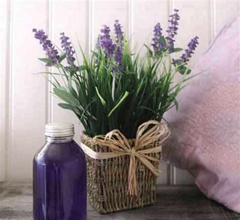 lavendel im schlafzimmer 25 ideen zur hausdekoration mit lavendel
