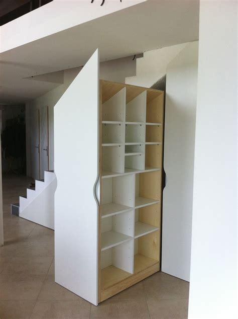 Placards sur mesure sous escalier ? Les Ateliers du Cèdre