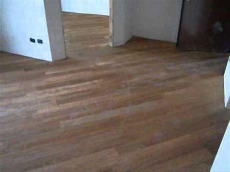 posa piastrelle diagonale posa diagonale pavimento in legno parquet massiccio di