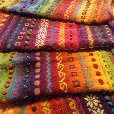 how to carry yarn in fair isle knitting 25 best ideas about fair isle knitting on