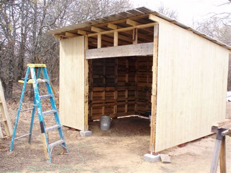 Shed Built Out Of Pallets by How To Build A Pallet Shed