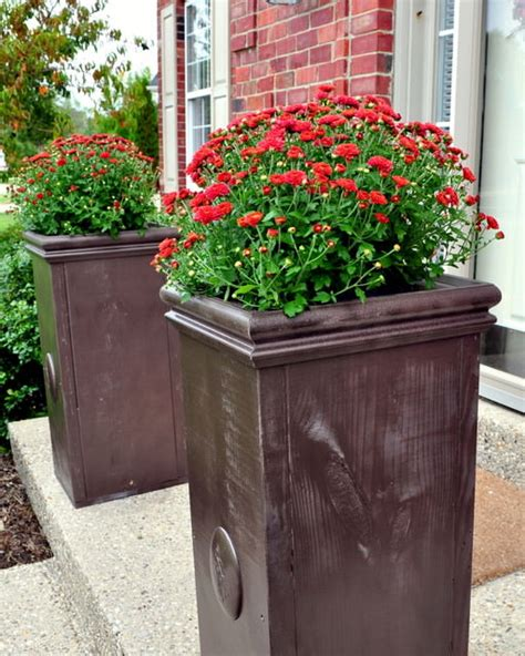 Diy Outdoor Planters by Outdoor Planter Projects The Garden Glove