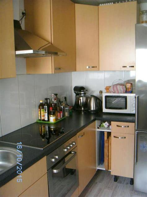 küche mit elektrogeräten günstig kaufen wohnzimmer rot braun