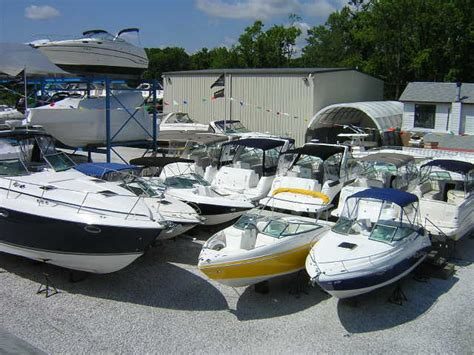 buying a house boat how to buy a boat from a dealer