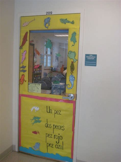 un pez dos pez 48 best images about read across america door decorating contest on are you my