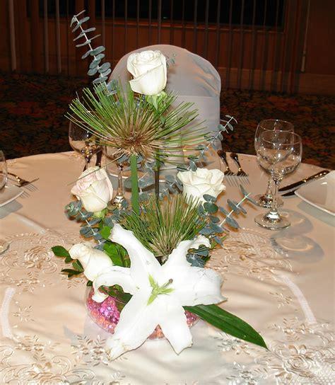 como hacer un arreglo de esferas de flores arreglos de flores para bodas de d 237 a