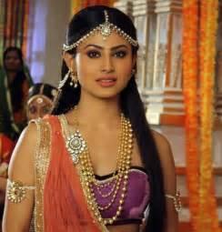 monika roy tv serial actors tv actress mouni roy in goa in sexy tube crop top shorts