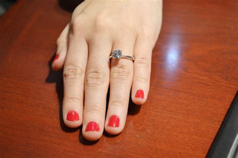 1 carat what different engagement ring diamonds look