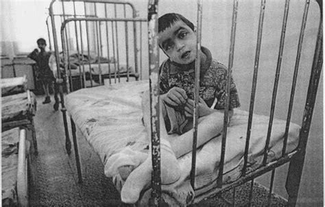 regard sur les orphelinats en roumanie apres ceausecu