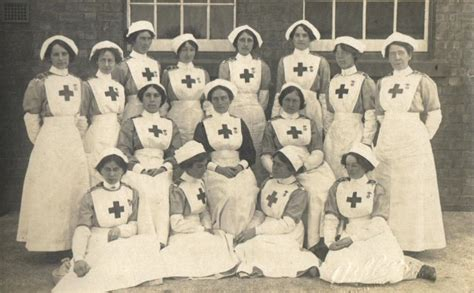the nurses of passchendaele caring for the wounded of the ypres caigns 1914 1918 books somerset and their nursing experiences during ww1