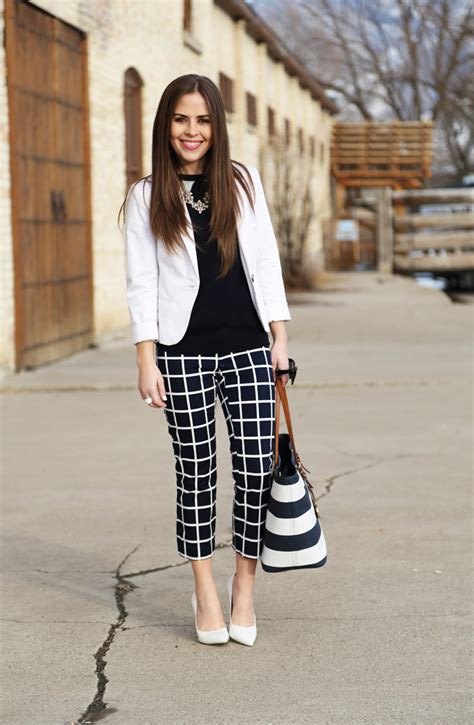 Sweater Monokrom Jumbo mixed prints windowpane and stripes in black and white