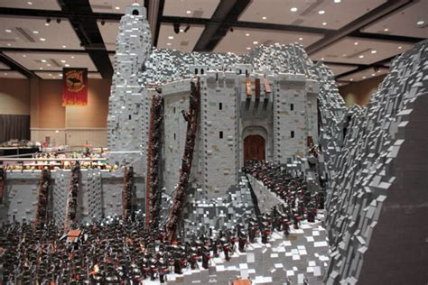 lord of the rings battle of helm s built with 150 000