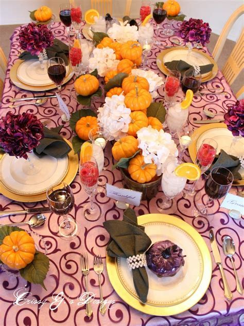 25 Thanksgiving Décor Ideas In Dramatic Purple   DigsDigs