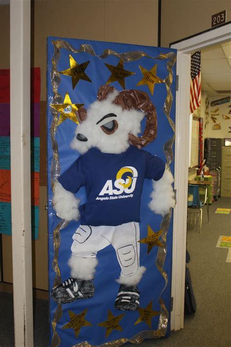 themed door decorating contest 25 best ideas about college door decorations on