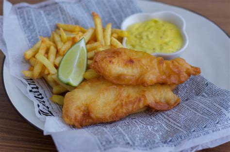 fish and fish and chips med remoulads 229 s zeinas kitchen