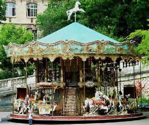 karussell le montmartre carousel at foot of sacre couer picture of