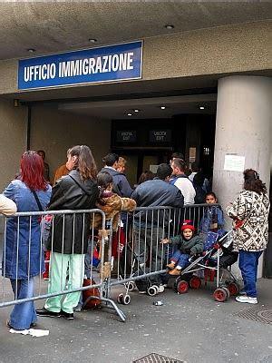 questura di parma ufficio stranieri a un immigration center porta d ingresso per gli