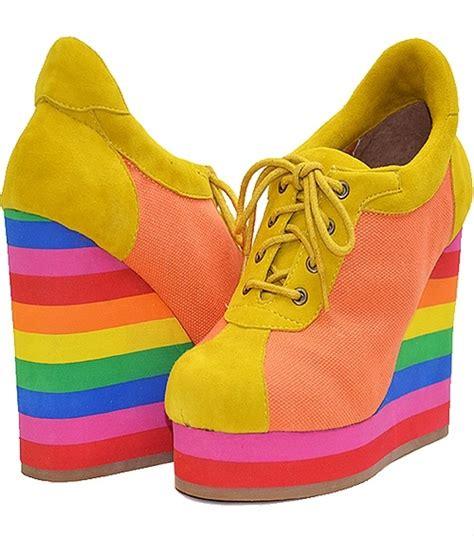 rainbow colored shoes rainbow coloured shoes wearable rainbow
