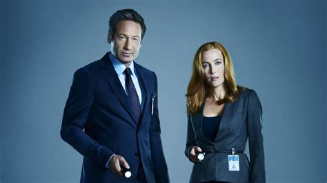will there be an x files season 11 newhairstylesformen2014 com the x files season 11 premieres as gillian anderson bows