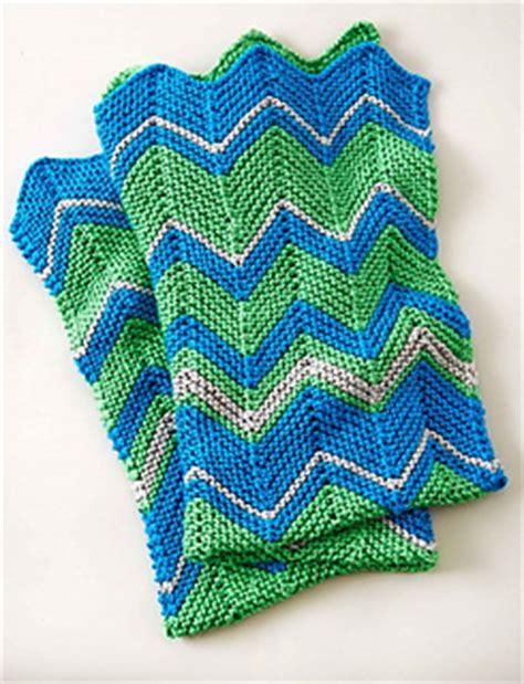 zigzag knitting pattern blanket ravelry zig zag blanket pattern by bernat design studio