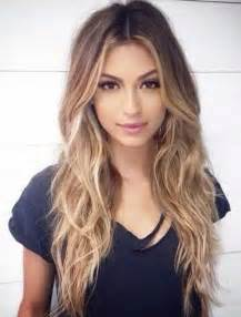 and wavy hairstyles 25 best ideas about long wavy hair on pinterest beachy