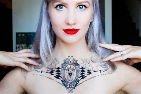 white queen alice in wonderland temporary tattoo