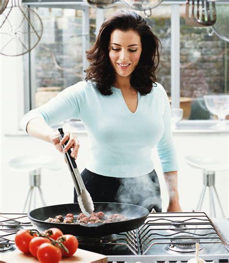 cuisine tv nigella nigella lawson weight loss tv stuns with slimmed