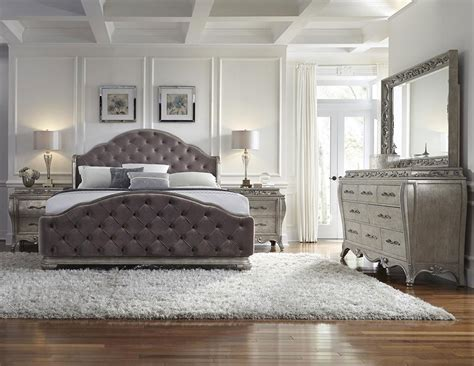 pulaski bedroom furniture pulaski furniture rhianna upholstered 4 piece bedroom set