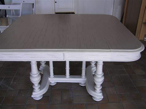 Repeindre Une Table En Bois Vernis by Repeindre 183 Relookage Meubles Et Fauteuils De Style Dans Le 44